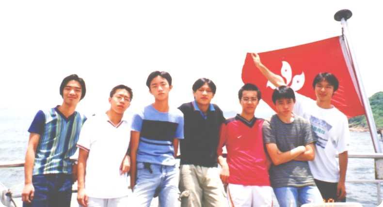 handsomeboys.jpg (26634 bytes)